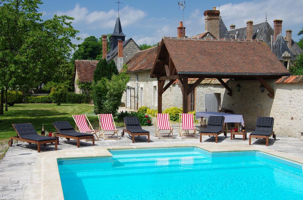 Château de Courcelles Le Roy, Location de luxe, mariage, séminaires, evenement proche d'Orléans, Bourges et Auxerre dans le Centre Val de Loire, Adresses Exclusives