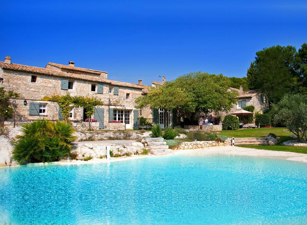 Mas de la Rose, Chambre d'hôtes de luxe à Orgon proche de St Remy de Provence, Adresses Exclusives